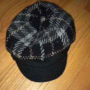 Wool plaid black and gray newsboy hat